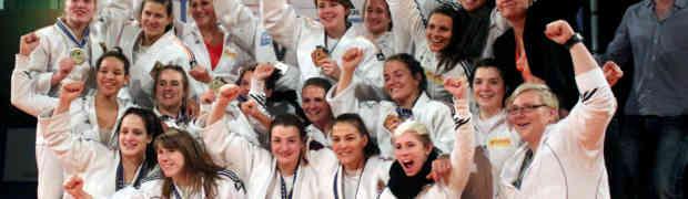 20.12.2014 Europäische Vereinsmeisterschaft: Sieg der JSV-Frauenmannschaft